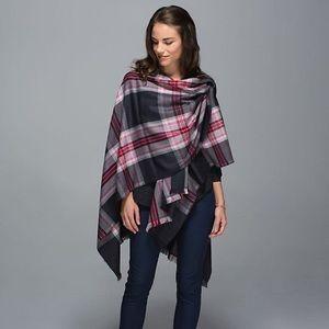 Lululemon • Pranayama Plaid scarf